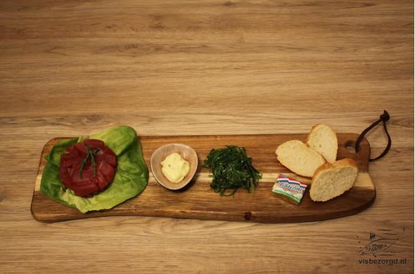 Tonijn tartaar met zeewiersalade en wasabi mayonaise