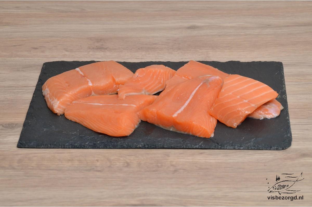 Zalmstukjes rauw per kilo